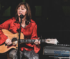 Suzi Bogguss Songs at the Center